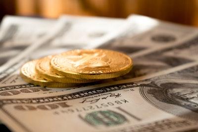 産業保健師の給料や年収が気になる!